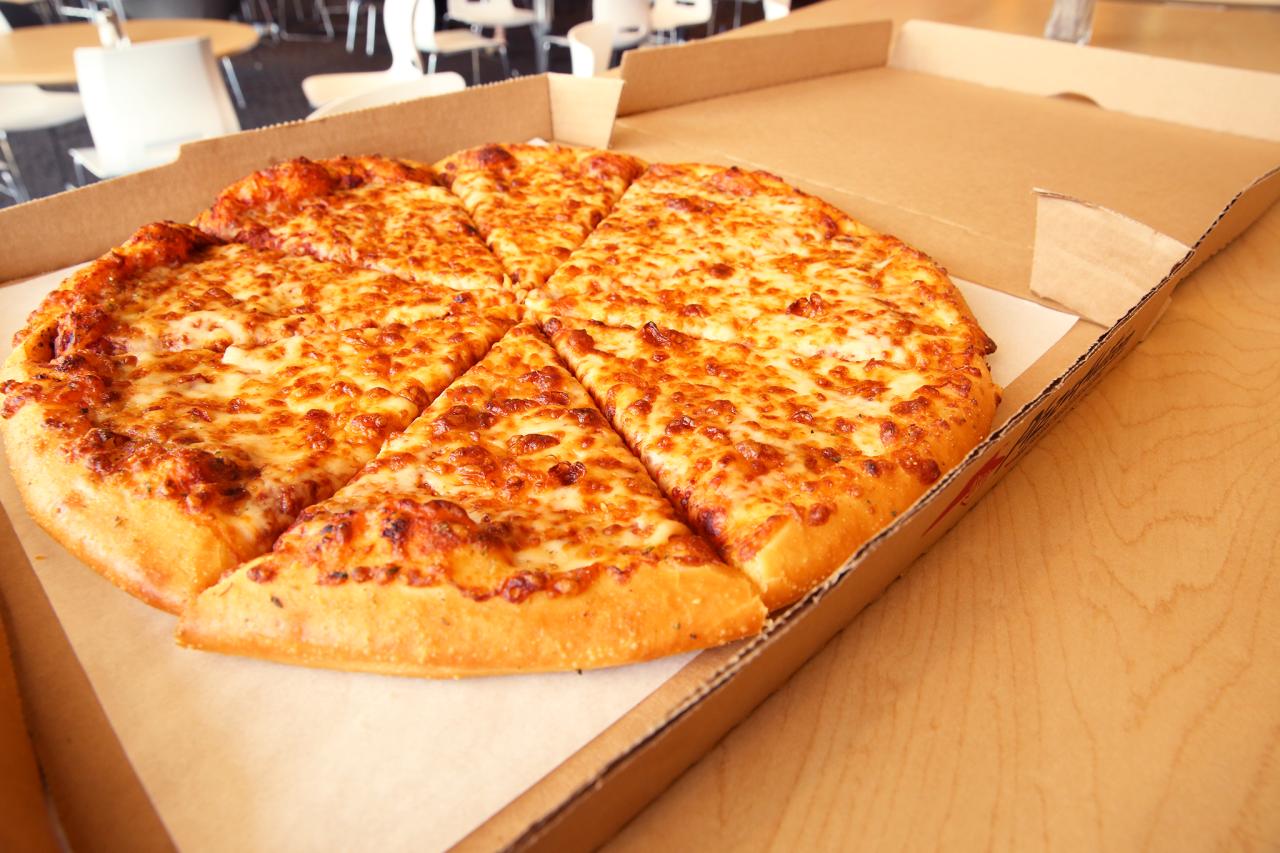 Pizza Hut e i due nuovi tipi di crosta di pizza che vi faranno scapocciare