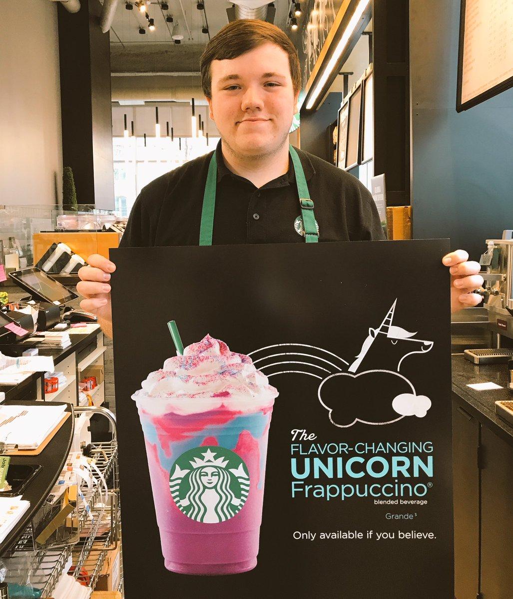 Qualche giorno fa, Starbucks Japan ha messo sul mercato l'American Cherry Pie Frappuccino con cupola di biscotto, oggi invece vi parliamo di Unicorn Frappuccino!