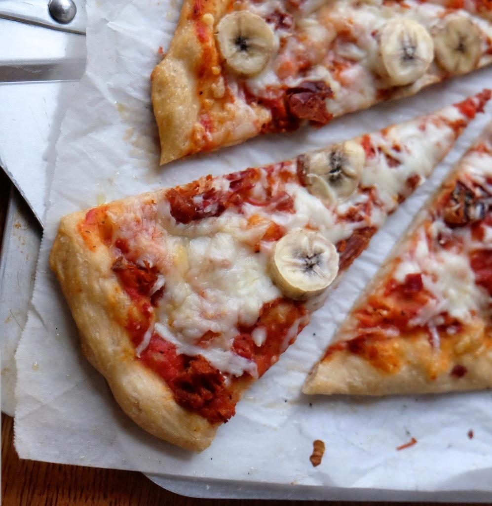 I condimenti più assurdi delle pizze in America
