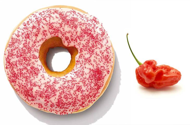 Dunkin' Donuts mette in vendita una ciambella piccante al Ghost Chili, per Halloween!