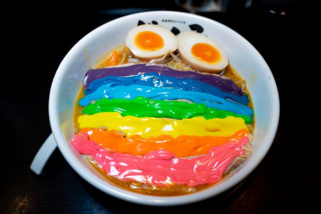 In Giappone arriva il simpatico Rainbow Ramen