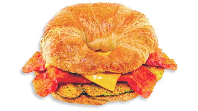 Dunkin' Donuts propone un Croissant sandwich di pollo per la colazione