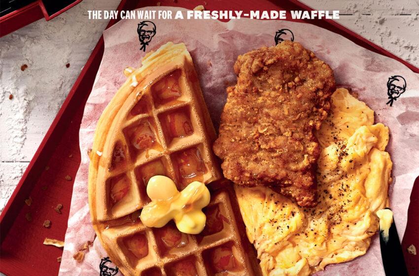 KFC Singapore serve una colazione con Waffles e pollo fritto