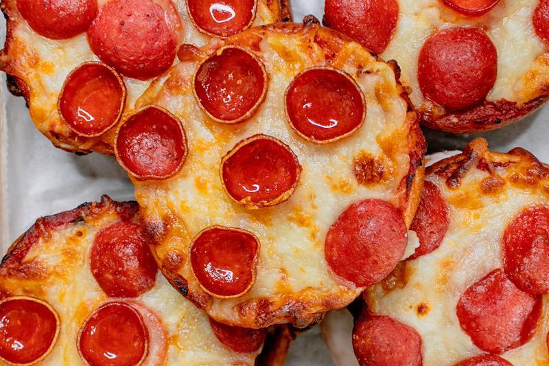 The Doughnut Project ha realizzato un Donut che sa di pizza ai pepperoni!