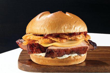 Il nuovo panino con le ribs di Arby's